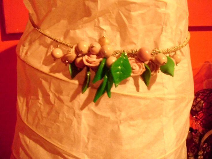 rose foglie e perle   collana in pasta polimerica
