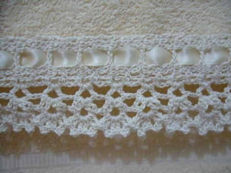 Puntillas tejidas al crochet para toallas