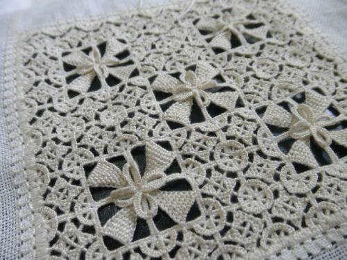 hilo刺繍教室 - Report > 2014-10 > 1ページ
