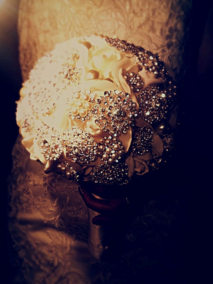 Brooch Bouquet by Beautique Wedding.  Email: beawed@outlook.com  Facebook: Beautique Wedd Ings