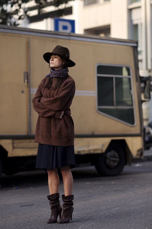 hat, oversize sweater, boots