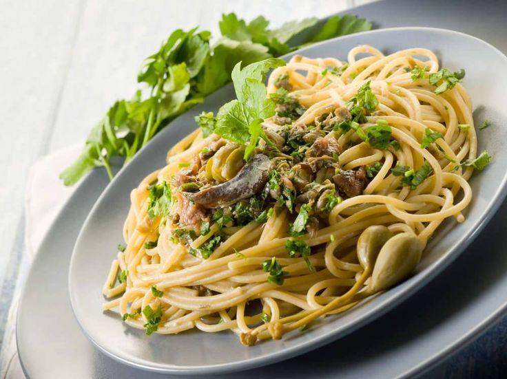 Spaghetti con le Acciughe, Prezzemolo e Capperi