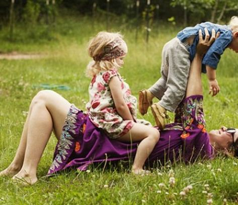 Mom-playing-with-kids
