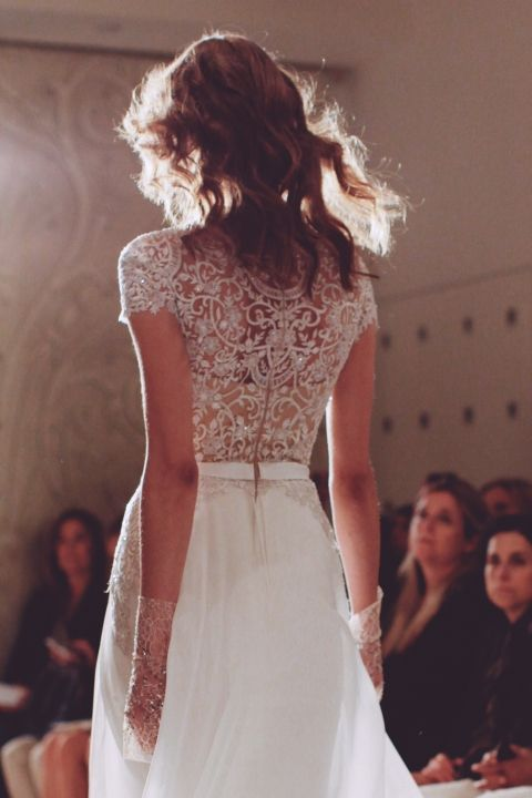 Reem Acra Spring 2015 Bridal Show. Photo: Karissa Fanning / The LANE. (instagram: the_lane) www.thelane.com