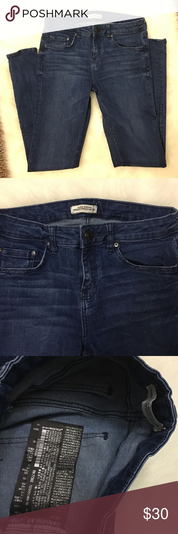 """Zara woman skinny jeans Inseam is 27"""". Size 36 euro, US 4. Color is a medium blue. Stretchy more like jeggings than a stiff Jean. Zara Jeans Skinny"""