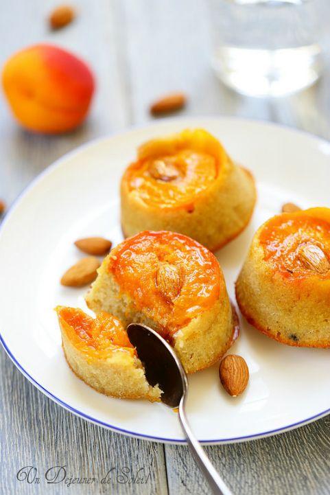 Gâteau renversé aux abricots et aux amandes - Upside-down apricots and almonds cake