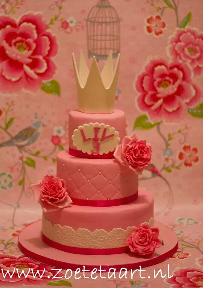 Prinsessen taart roze rozen kroontje