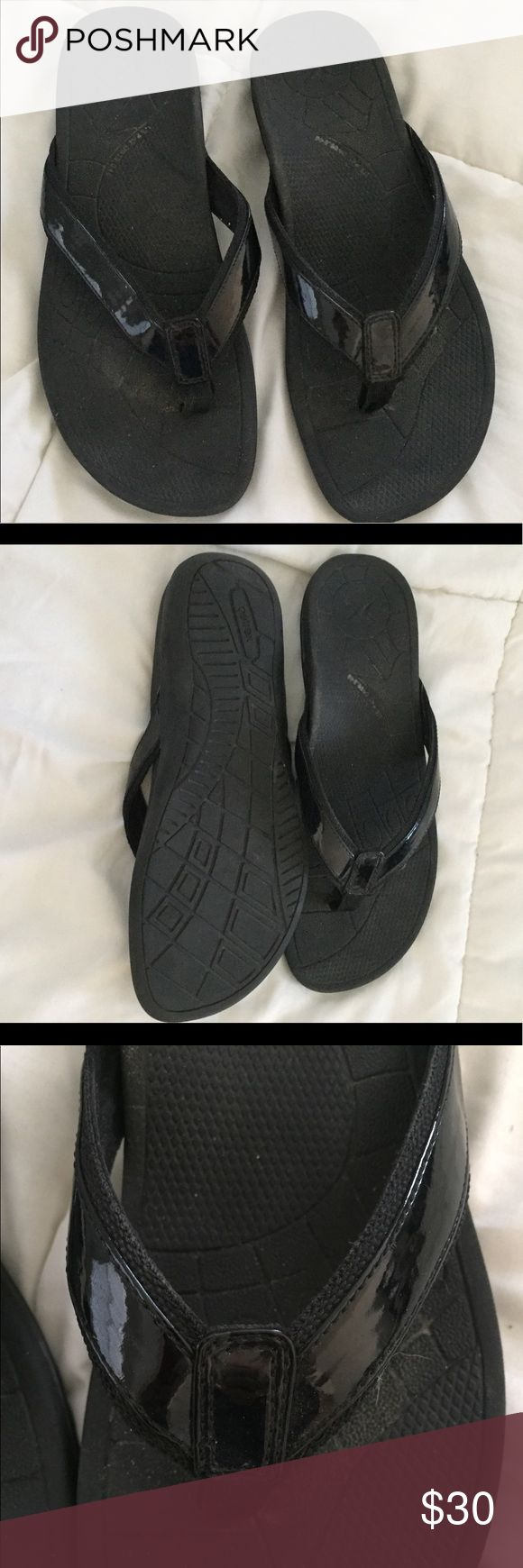 Vionic orthopedic flip flops Doctor recommended for foot and back pain, Leg circulation etc. only worn a few times Vionic Shoes Sandals