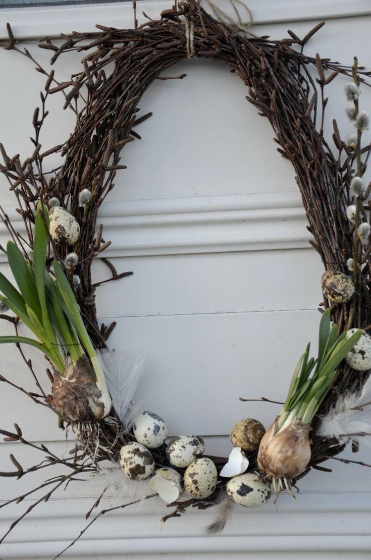 kranz-eierschalen-basteln-türkranz-eiform-oval-frühlingsblumen-narzissen