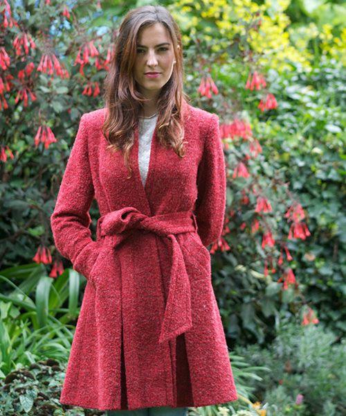 Elena Urrutia #rojo #pasion #invierno #mujer #rosas