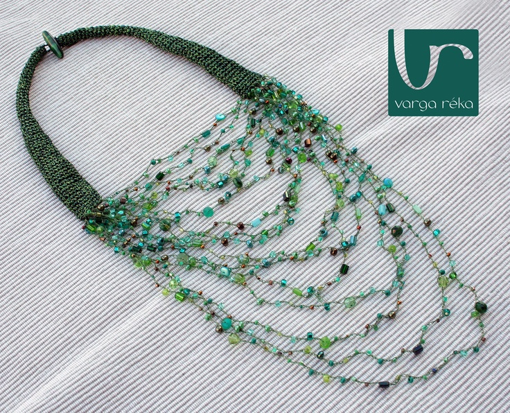 Crocheted necklace made of a mixture of beads