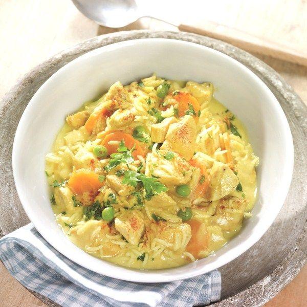 Pot-au-feu de poulet au curry et au riz