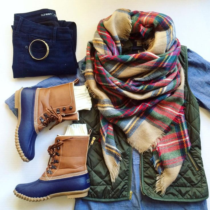 Duck boots. Blanket scarf. Chambray tunic. Excursion vest. Casual style.