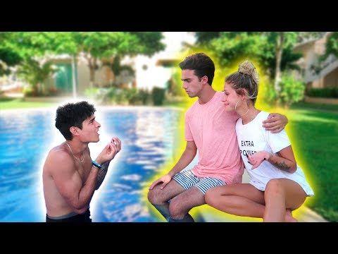 AMIGO, TENGO QUE CONFESARTE ALGO... - VER VÍDEO -> http://quehubocolombia.com/amigo-tengo-que-confesarte-algo    Hola sogas!! El video que tenemos hoy está increíble! Y además de eso tengo para decir: perdón Mathi 😀 SUSCRIBITE ACÁ 🙂 ►  Cancion de la parte cinematica; Cartoon – On & On (feat. Daniel Levi) [NCS Release] Music was provided from the NCS Channel. ▽ Sigan a...