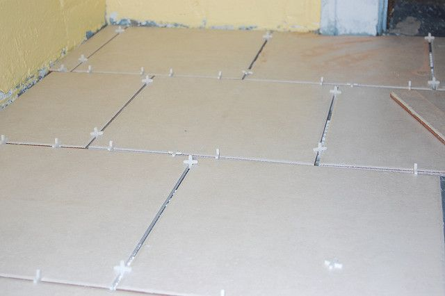 DIY diva  Tile 101: How to Lay Floor Tile