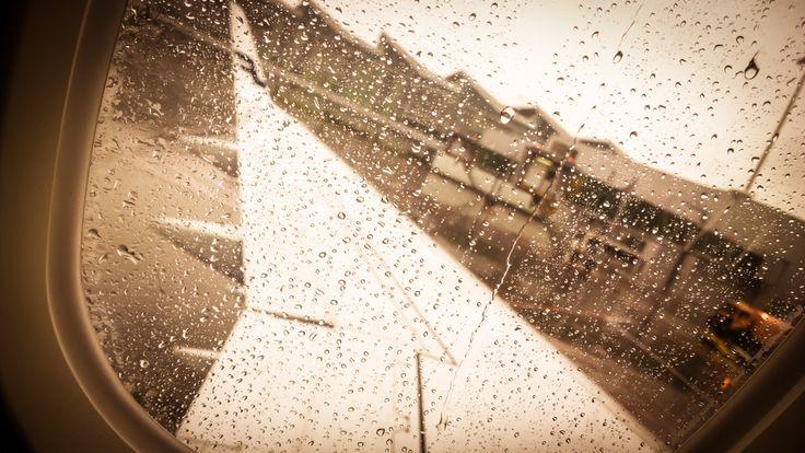 W samolocie... deszczowo :) wszystkie zdjęcia ze smartfona: http://www.snaphub.pl/galerie/nokia-lumia-1020-najlepszy-fotograficzny-smartfon
