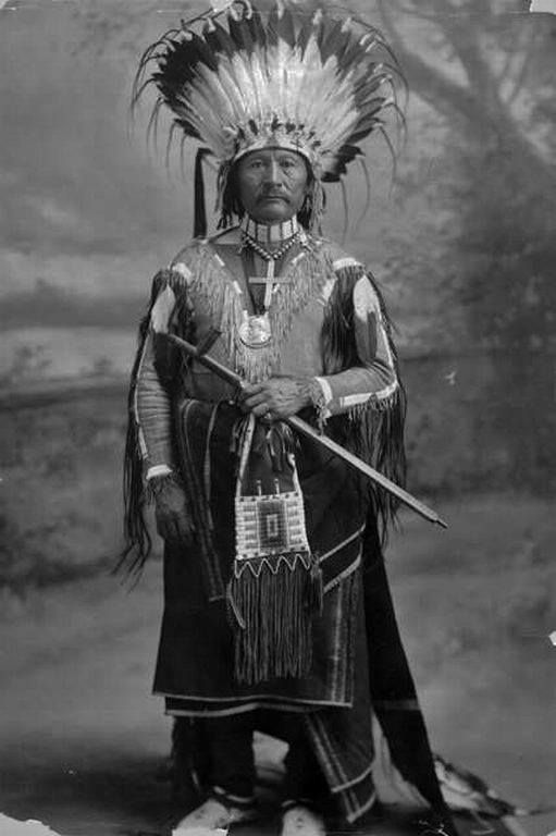 SAPIAH , 1905 Sapiah was the leader of the Southern Ute tribe from 1880 until his death in 1936. He was born ... He rode with Geronimo in Theodore Roosevelt's 1905 Inaugural Parade. His son, Antonio Buck Sr., succeeded him as hereditary chief