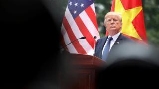 Donald Trump's Asia tour leaves observers perplexed - BBC News