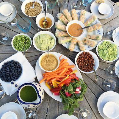 FOOD BY SKADBORG SVARE: Rispapir rullet med kylling, rejer, friske krydder...