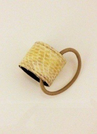 Kup mój przedmiot na #vintedpl http://www.vinted.pl/akcesoria/inne-akcesoria/17678440-gumka-z-owijka-do-wlosow-kucyk-warkocz-hm-skorka