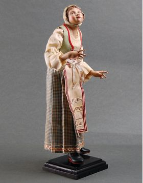 Commoner child with terracotta head, glass eyes, wooden limbs, prized clothes. Height: 9,84 inches. Weght: 0,7 lb.