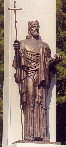 Tornai Endre András alkotása: Szent István szobor, bronz (Szombathely, 1998)