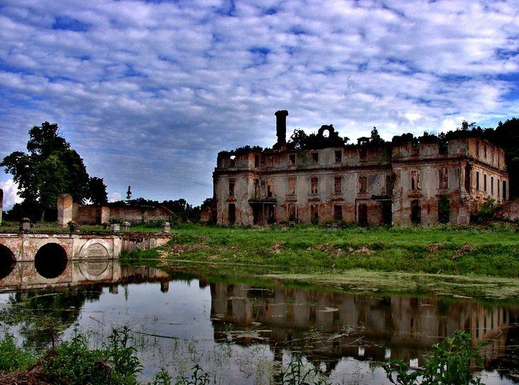 Ruine vom Schloss Dohna-Schlobitten