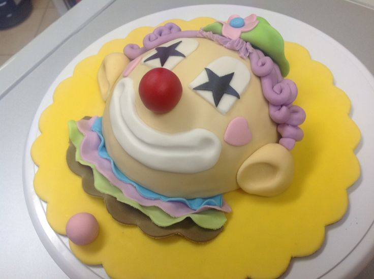 Clown Cake - Inspired by Debbie Brown's Clown Cake in her book 50 Easy Party Cakes