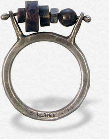 Jewelry   Jewellery   ジュエリー   Bijoux   Gioielli   Joyas   Art   Arte   Création Artistique   Precious Metals   Jewels   Settings   Textures   Liisa Hashimoto ring  hinge-dept.com