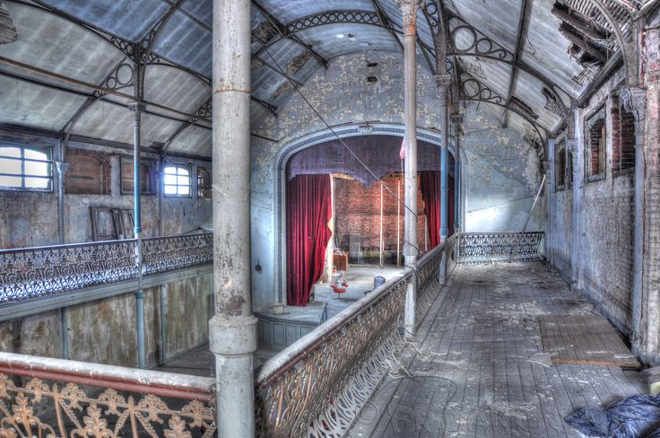 Abandoned theater built around 1900 loacted in turnhout belgium old places pinterest - The beauty of an abandoned house the art behind the crisis ...