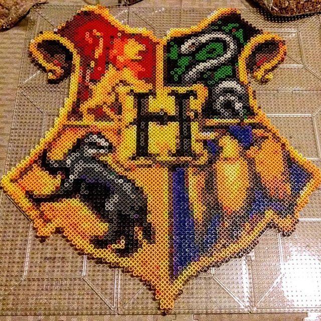 Hogwarts Crest - Harry Potter  perler beads by Rachel's Dreamland
