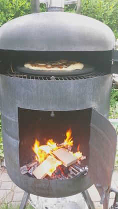 Outdoor Pizza Oven made from a Propane Tank
