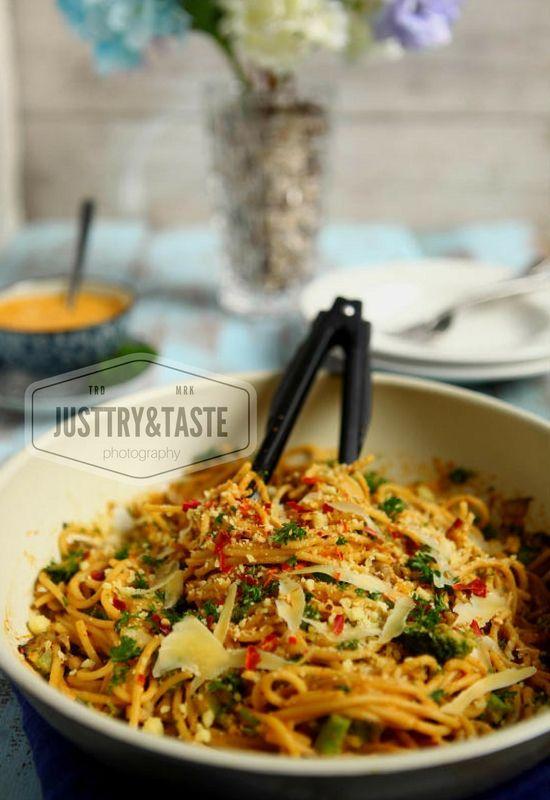 Spaghetti Jamur Saus Telur Asin