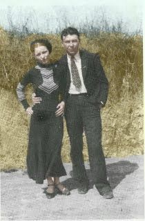 Bonnie Parker & Clyde Barrow. Texas outlaws.