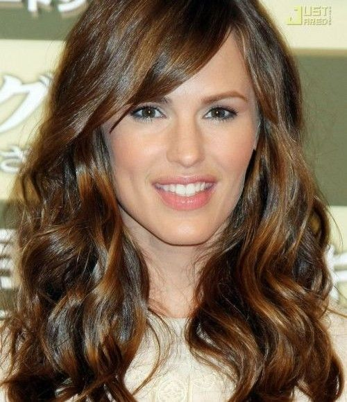 Jennifer Garner Hair Color Formula 2015. Re-create this rich, chocolate brown hair color with this formula from Organic Way (Oway) professional hair color.