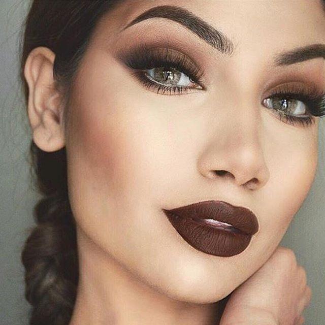 Add some drama to your makeup this Sunday  Makeup inspiration by @makeupbyalinna  #MakeupAddictionCosmetics