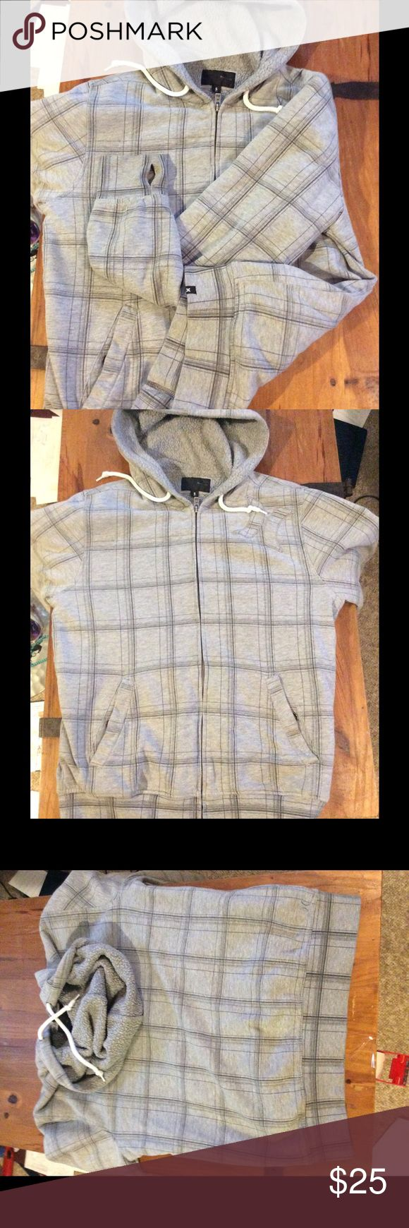 Hurley surf hoodie Quilted Hurley hoodie with thumb holes. Hurley Jackets & Coats Ski & Snowboard
