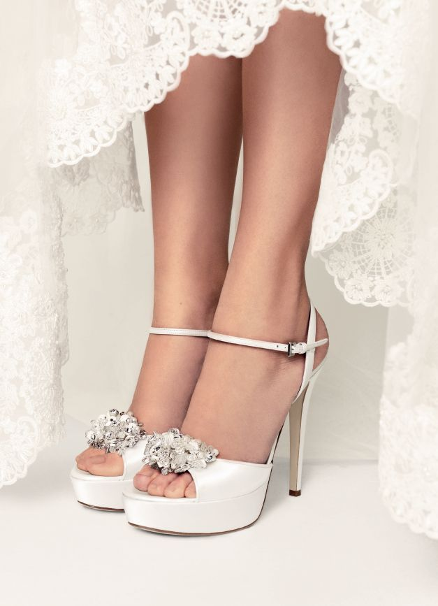 Mascia Mandolesi #wedding #shoes @voguesposait #sposa