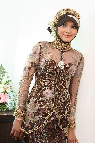 Brown Muslim Wedding Dress - http://casualweddingdresses.net/muslim-wedding-dresses-for-beautiful-islamic-brides/