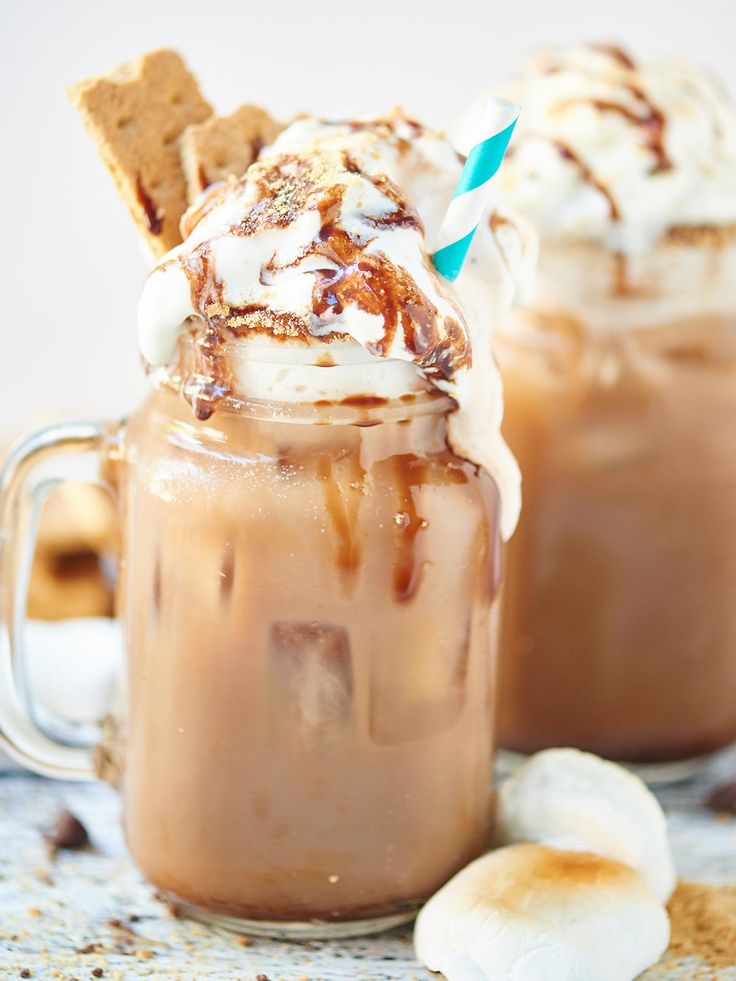 SMores Iced Coffee - A patriotic drink for the Fourth of July #dan330 http://livedan330.com/2015/07/04/smores-iced-coffee/