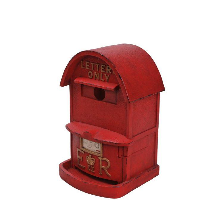 This stylish British style letterbox birdhouse and feeder will look great in any garden! #birdhouse #birdfeeder