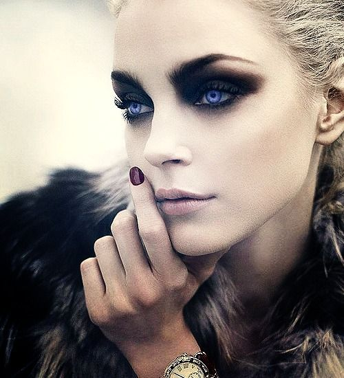: Jessicastam, Make Up, Dramatic Eye, Dark Eye, Goth Eye Makeup, Jessica Stam, Blue Eye, Makeup Eye, Smokey Eye