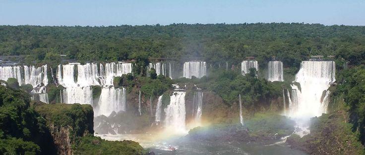 He quedado alucinada con las Cataratas del Iguazú. Y pensar que, en un principio, no tenía considerado ir a Foz de Iguazú. La cosa transcurrió así: cuando ya tenía los pasajes a Brasil, y la ruta más o menos formada para estar viajando casi 2 meses sola, me preguntan si iré a Foz de Iguazú, …