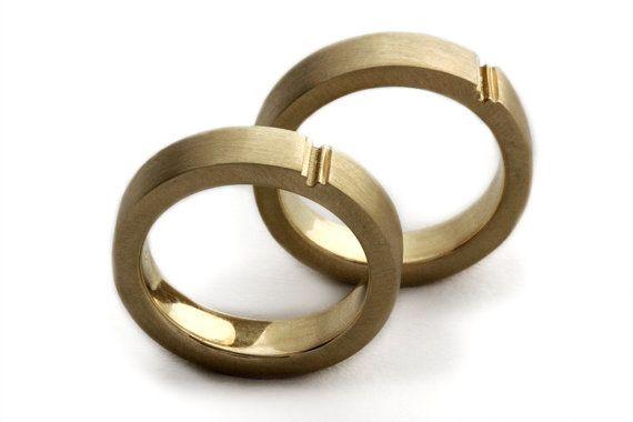 + Ik hou van je :) Unieke en persoonlijke stijl vol. Plus/cross - een minimalistische formulier verzendt die de harmonische verbinding in een eenvoudige vorm. De belofte ring heb je geweest uiterlijk voor, deze set zorgt ervoor dat altijd je glimlach. Een liefde van twee ringen, met grote + symbool voor liefde en optimisme. Het perfecte paar met een stijlvolle en klassieke uitstraling.  Ook geschikt voor verlovingsringen (kunnen we combineren kleine ruitjes), verjaardag ringen of cadeau ...