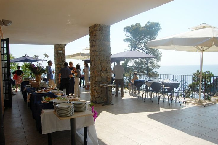 Outdoor #wedding party...Buffet and catering service at your fingertips