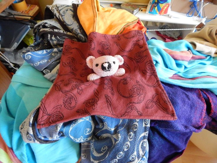 Ursula ready, the Oscha blanket was seamed and the teddy head is on the wrap scrap.