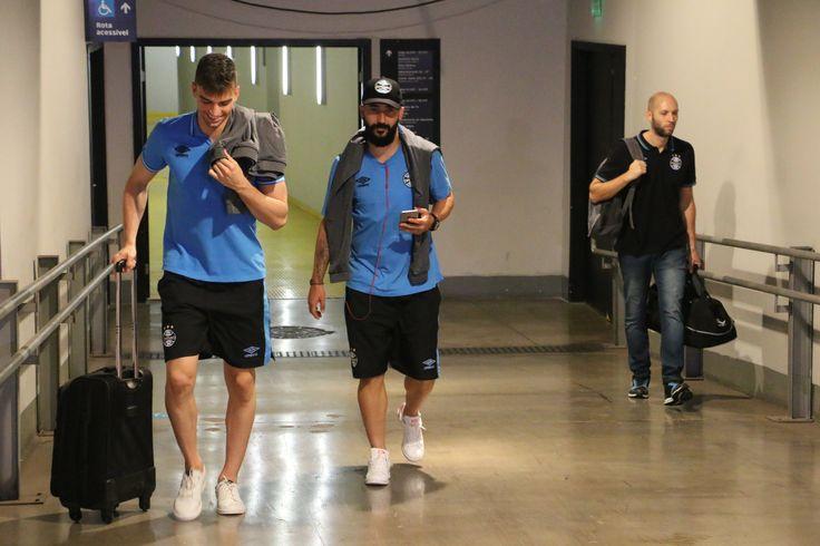 Grêmio aguarda volta de Douglas para assinar renovação por mais dois anos #globoesporte