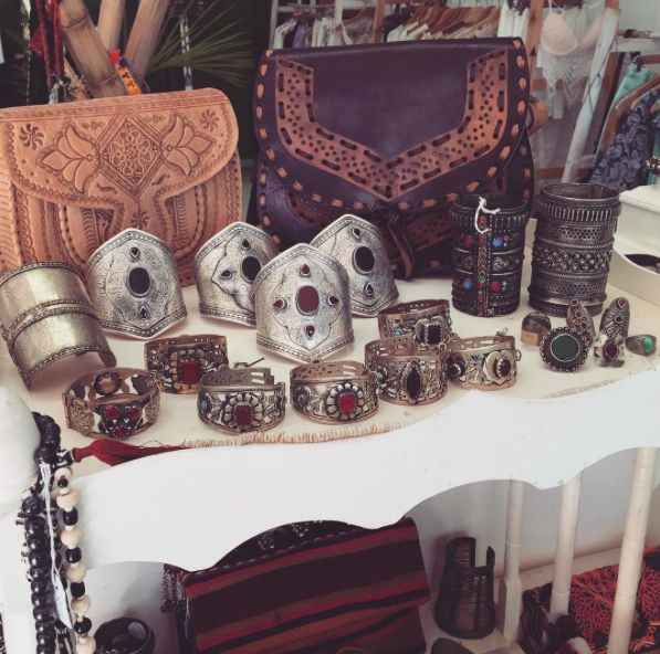 Look at these goodies.....X X X #Fashion#fashionblogger#style#styleblogger#blog#bohemian#boho#bohochic#boholuxe#gypsy#gypset#retro#vintage#style#bohostyle#freespirit#shop#tribal#jewellery#antique#bohobags#bags#cuff