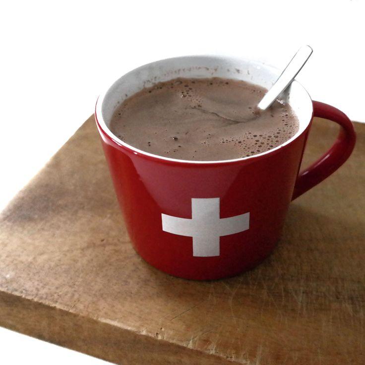 Heiße Schweizer Schokolade // Hot Swiss Chocolate