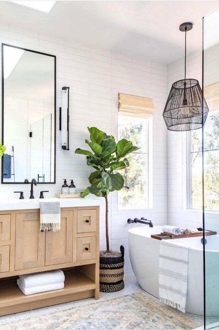 35 Simple And Beautiful Small Bathroom Ideas 2019 Page 6 Of 37 My Blog Beautiful Small Bathrooms Small Bathroom Decor Bathrooms Remodel Master bathroom wall decor